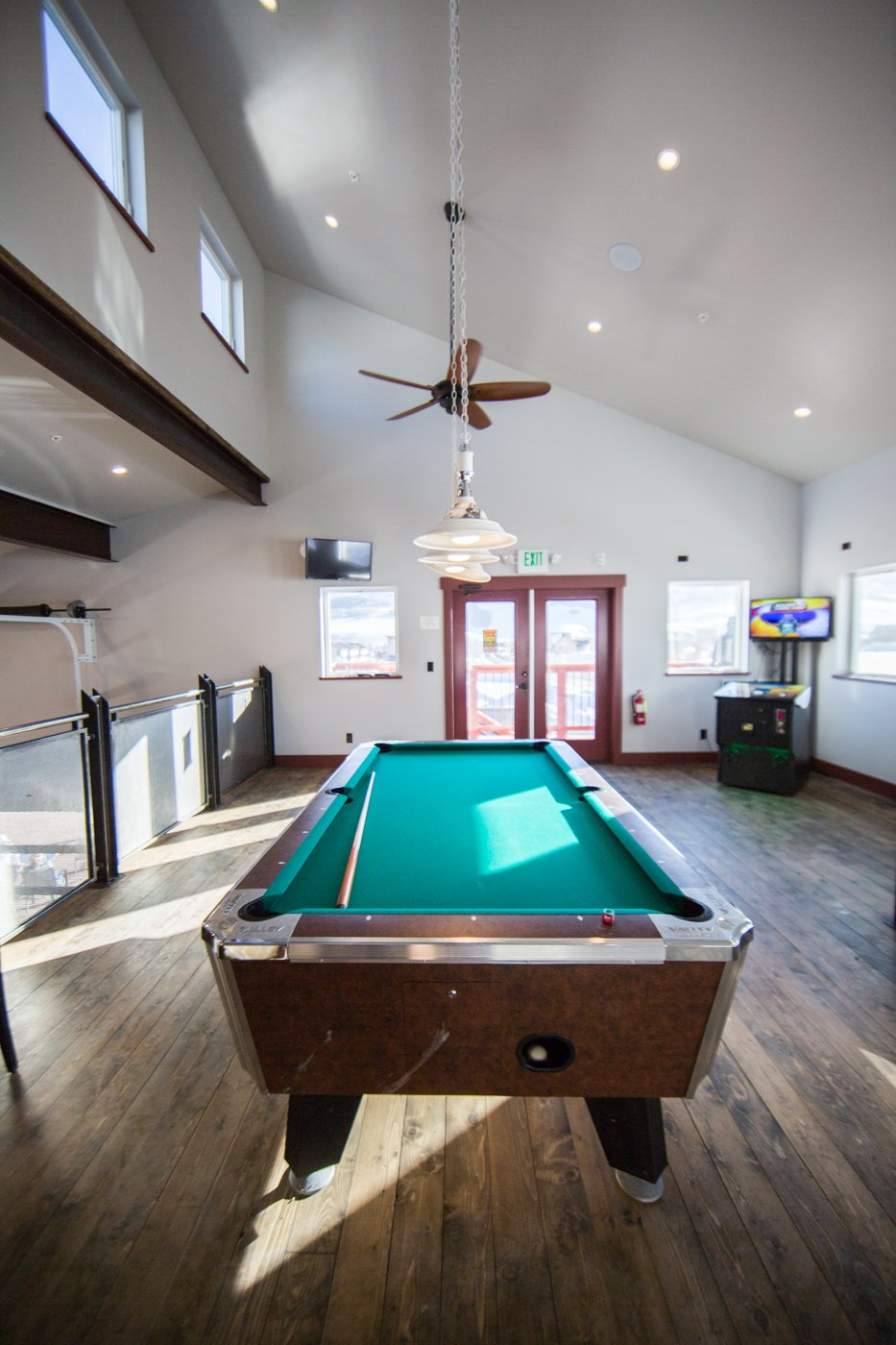 Tully's pool table