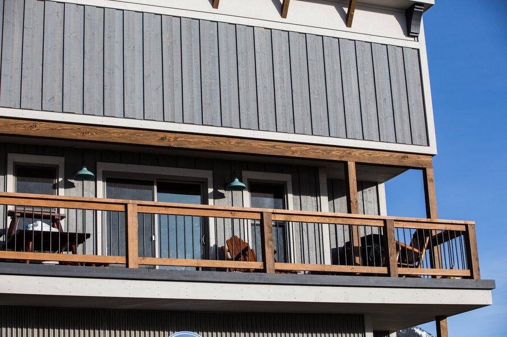 310 Echo Building upper deck