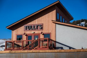 Tully's outside sign and upper deck