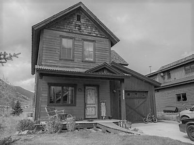 house greyscale